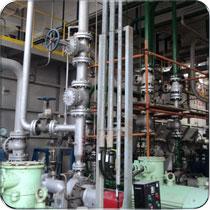 在腐蚀性介质工况下的阀门,防腐蚀就是化工设备较关键的地方,在化工设备选型时首先要注意选材的科学性。